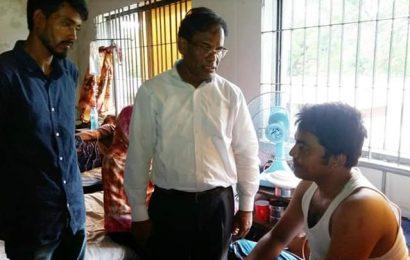 নাটোরে আহত ছাত্রলীগ নেতাদের পাশে সাবেক এমপি কালাম